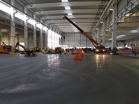 Az új gyárépület belülről